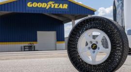 Pierwsze niepneumatyczne opony Goodyear w autonomicznych pojazdach wahadłowych