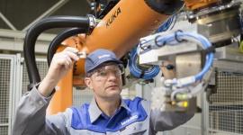 Podwójny kontrakt dla Leadec: Utrzymanie ruchu linii produkcji baterii Biuro prasowe