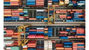 PwC: 80% światowego przemysłu dąży do modelu e-commerce