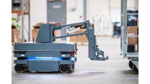 Zautomatyzowany transport wewnętrzny:MiR wprowadza nowe rozwiązanie do holowania