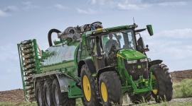 Firma John Deere wyznacza nowe standardy wydajności na drodze