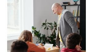 Nauczycielom należy się dodatkowa ochrona zdrowotna