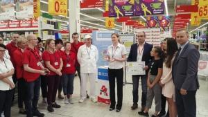 Fundacja Auchan na rzecz młodzieży przekazała czek SOS Wioskom Dziecięcem Biuro prasowe