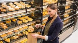 Rozwiązania ekspozycyjne wsparciem bezpieczeństwa higienicznego w sklepach