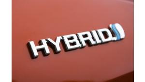 Chiny włączają hybrydy do programu elektromobilności