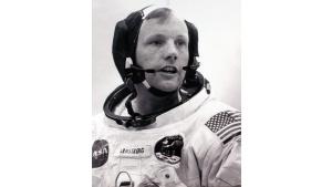Legendarny zestaw słuchawkowy Neila Armstronga w Science Museum w Londynie Biuro prasowe